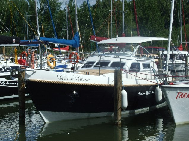 jacht motorowy typu houseboat